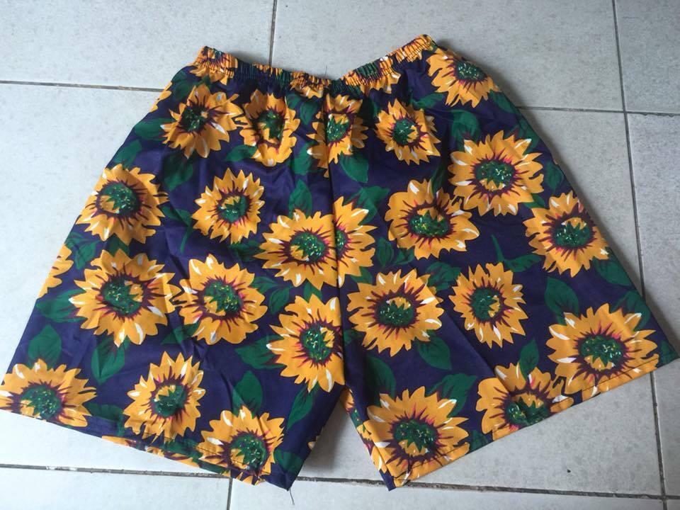 quần đùi hoa đi biển