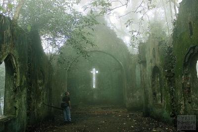 nhà thờ cổ Pháp (Sưu tầm)
